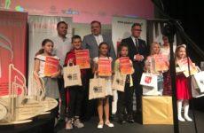 Więcej o: Laury, wyróżnienia i nagrody dla wokalistów z MOK w Moryniu
